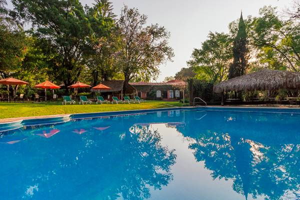 Swimming pool racquet cuernavaca hotel