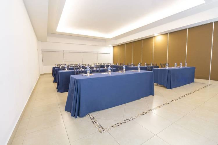 Meeting room yes inn nuevo veracruz hotel