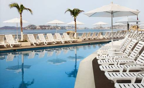 SWIMMING POOL, CHILDRENS POOL AND BEACH Calinda Beach Acapulco Hotel in Acapulco