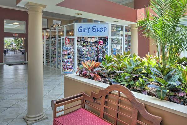 Gift shop ramada gateway orlando hotel florida