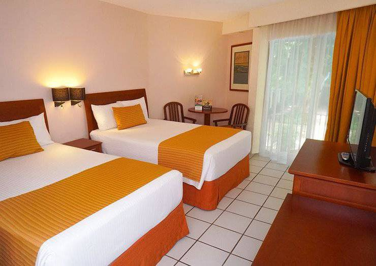 Standard two-bed viva villahermosa hotel