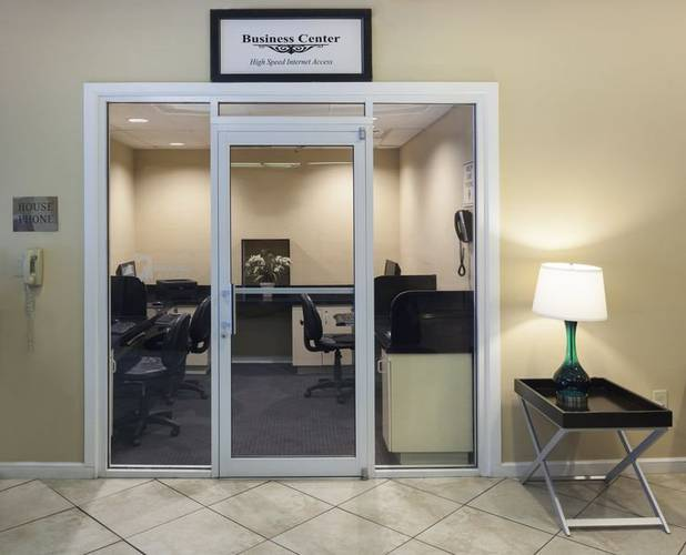 Business center Ramada Gateway Orlando Hotel Kissimmee, Orlando